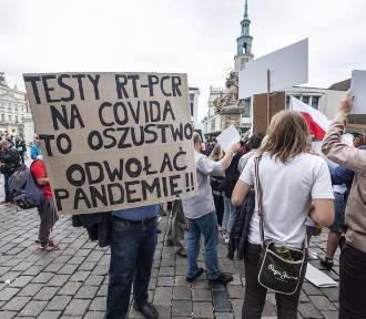 Żądali odwołania pandemii. Manifestacji na Starym Rynku przewodniczyła Justyna Socha