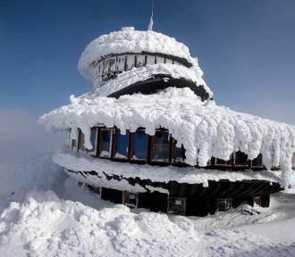 W samej bieliźnie próbowali zdobyć Śnieżkę! Musieli interweniować ratownicy GOPR! [WIDEO]