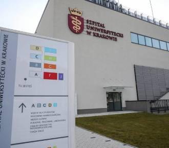 Pionierska operacja w Krakowie. Usunęli pacjentce guza wątroby przez klatkę piersiową