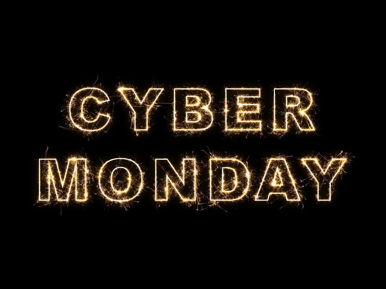 Cyber Monday. Najlepsze okazje cenowe perfum i kosmetyków dla mężczyzn. Zobacz!