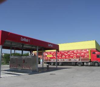 Pierwsza samoobsługowa myjnia samochodowa w Zdunach już otwarta! [FOTO]