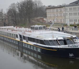 Wycieczkowy statek MS Sans Souci zawitał do głogowskiej mariny