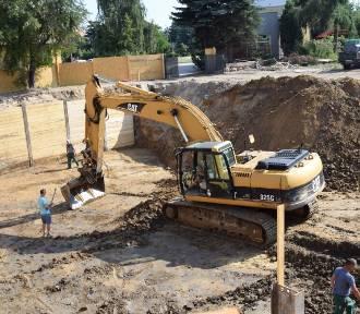 Nowy blok mieszkalny w Skierniewicach powstaje w miejscu starej ciepłowni. Jak będzie wyglądał?