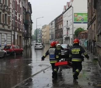 Ostrzeżenie IMGW: Dziś intensywny deszcz, burze i wichury