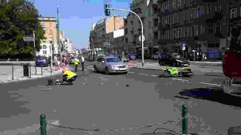 Wypadek na Głogowskiej: Zderzenie motocyklisty z lawetą