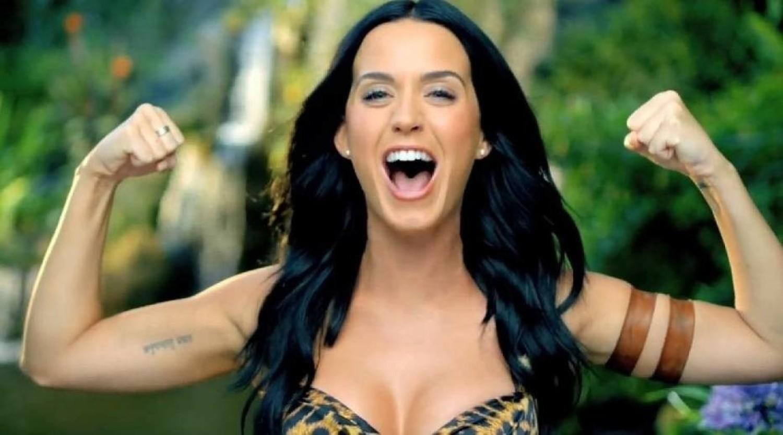 MIEJSCE 19: Katy PerryZAROBKI: 83 miliony dolarówKaty Perry to bardzo zapracowana artystka