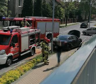 Rybnik: wypadek wozu strażackiego i osobówki na Zebrzydowickiej. Droga zablokowana