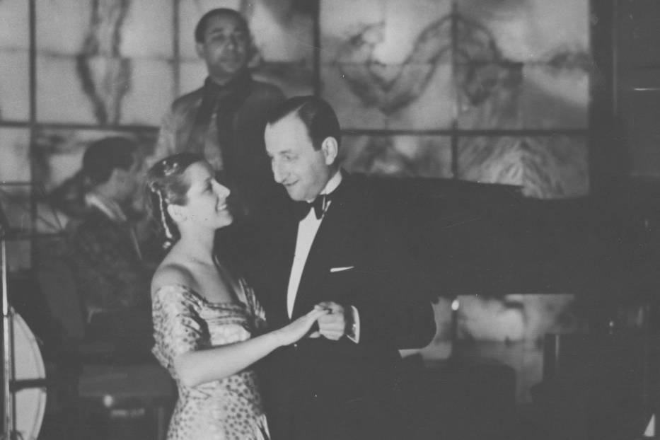 Król i królowa karnawału podczas tańca