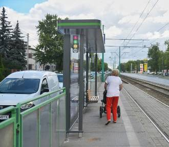 MPK: Nowe wiaty na przystankach. Pasażerowie je krytykują [ZDJĘCIA]
