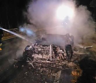 Audi R8 doszczętnie spłonęło na drodze [FOTO]