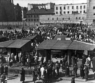 """Getto Warszawskie. W 1940 roku powstała """"żydowska dzielnica"""". Największe getto w okupowanej"""
