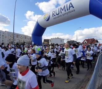 W Rumi pobiegli Tropem Wilczym. Na sportowo uczcili pamięć żołnierzy wyklętych  ZDJĘCIA