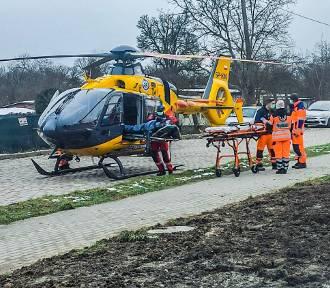 Helikopter medyczny lądował na ulicy w centrum Żar. Zabrał chorego pacjenta