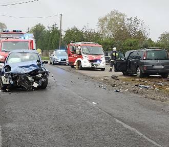 Wypadek w Zbiersku-Cukrowni. Zderzenie dwóch aut. ZDJĘCIA
