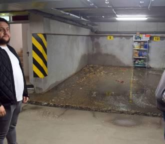 Pęknięta rura i fekalia w garażu. Mieszkańcy kontra deweloper (ZDJĘCIA, WIDEO)