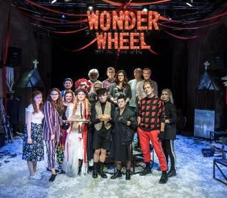 Ostatnią noc w tym roku warto spędzić w teatrze!