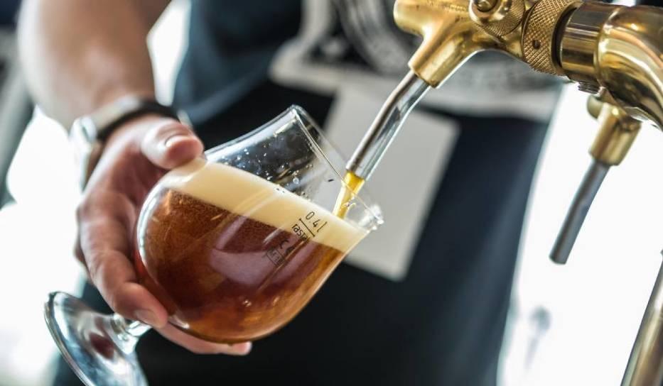 Piwo – złocisty trunek, nazywany czasem napojem bogów