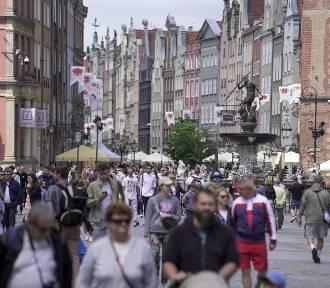 Gdańsk znów tętni życiem! Na ulicach tłumy spacerowiczów
