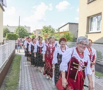 Barwny korowód przeszedł ulicami Gaszowic. Obchodzono święto plonów. Zobaczcie