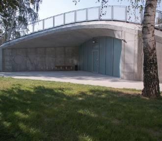 Kolejny projekt Konkursu KOŁO zrealizowany. Nowy budynek porośnięty żywą zielenią w Płocku