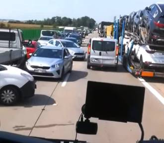 Policja wyłapuje kierowców, którzy blokowali korytarz życia na A4