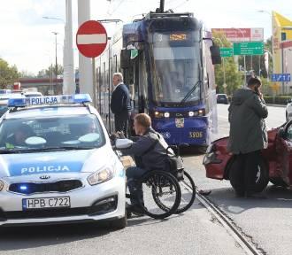 Wypadek na Krakowskiej. Torowisko było zablokowane