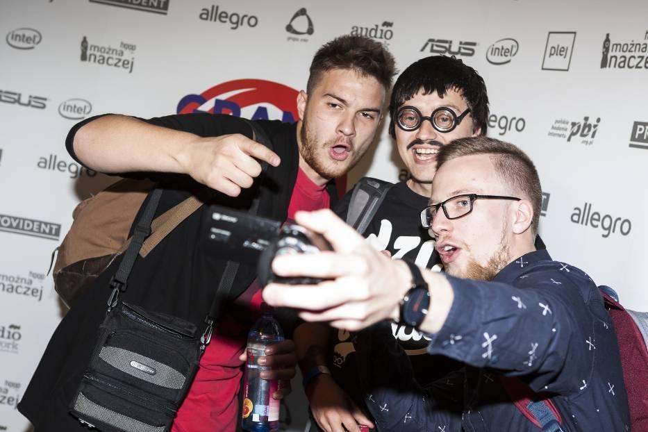Grand Video Awards 2015 rozdane! Który YouTuber zasłużył na wyróżnienie? [ZDJĘCIA]