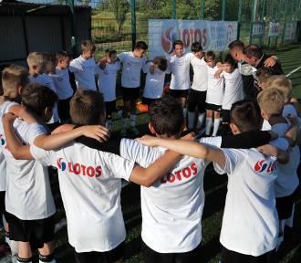 Piłkarska Przyszłość z Lotosem. Jaguar wyszedł obronną ręką