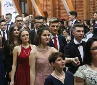 Tak na studniówce bawili się uczniowie  V Liceum Ogólnokształcącego we Wrocławiu (ZDJĘCIA)