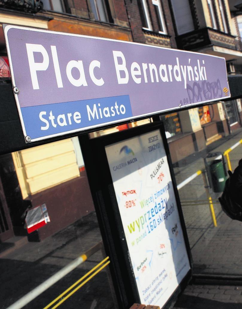 Na przystanku MPK mamy Plac Bernardyński