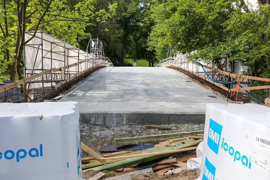 Mostek Japoński w Parku Kasprowicza w remoncie