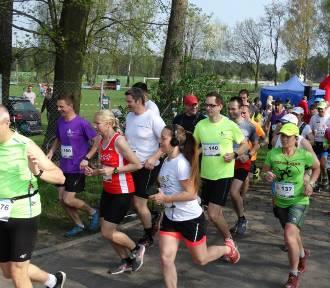 "Festiwal Biegowy w Bukowcu: Start maratonu, półmaratonu, ""10-tki"" FOTO"