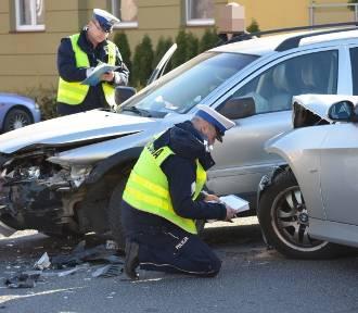 Głogów: Zderzenie volvo z BMW na osiedlu Piastów Śląskich