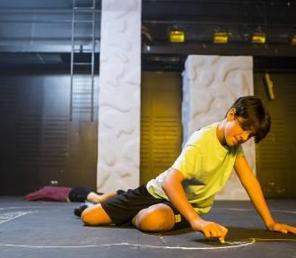 """Teatr Powszechny w Warszawie. Premiera """"Gniewu"""" w reżyserii Małgorzaty Wdowik [ZDJĘCIA, WIDEO]"""