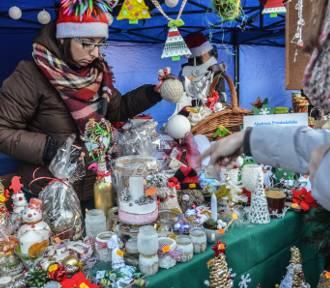 Szamotuły. Mikołajki na Rynku już dziś. Sprawdź program i zobacz jak to było w zeszłym roku [ZDJĘCIA]
