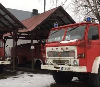 Muzeum w Nowodworcach. Wozy strażackie w opłakanym stanie (zdjęcia)