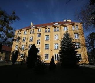 Wrocław. Szkoła dla niepełnosprawnych dzieci do likwidacji? Rodzice dzieci protestują