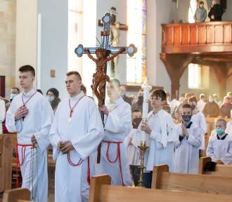 Już 114 ministrantów posługuje w parafii św. Marcina z Tours w Sierakowicach!
