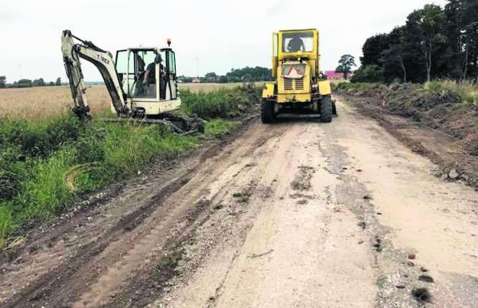 Budowa drogi z Kowalewa do Tereski w Margoninie