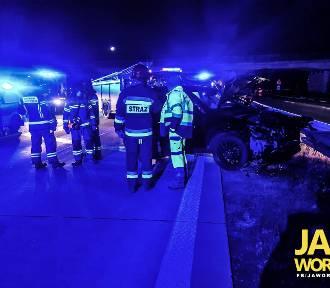 Nocny wypadek na A4 pod Jaworem. Zderzyły się dwa pojazdy, a sprawca uciekł!