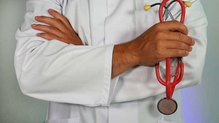 Zobaczcie, jak długo trwa wizyta u lekarza w Polsce, a ile czasu zajmuje w innych krajach