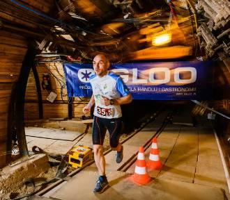 Biegacze pobiegli w sztafecie w bocheńskiej kopalni