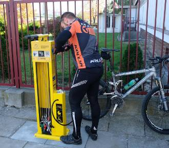 W Przemyślu postawiono stacje do naprawy rowerów [ZDJĘCIA]