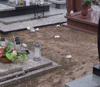 Zniszczyli nagrobki na cmentarzu