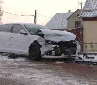 Wypadek drogowy pod Kołozębiem - ostrzeżenie przed złymi warunkami na szosach [ZDJĘCIA]