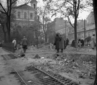 Ruiny, groby, okopy, wraki. Warszawa jesienią 1939 roku [ZDJĘCIA]