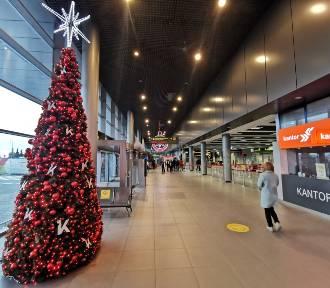 To smutny widok. Puste lotnisko. O tej porze zawsze był gwar i świąteczny szczyt