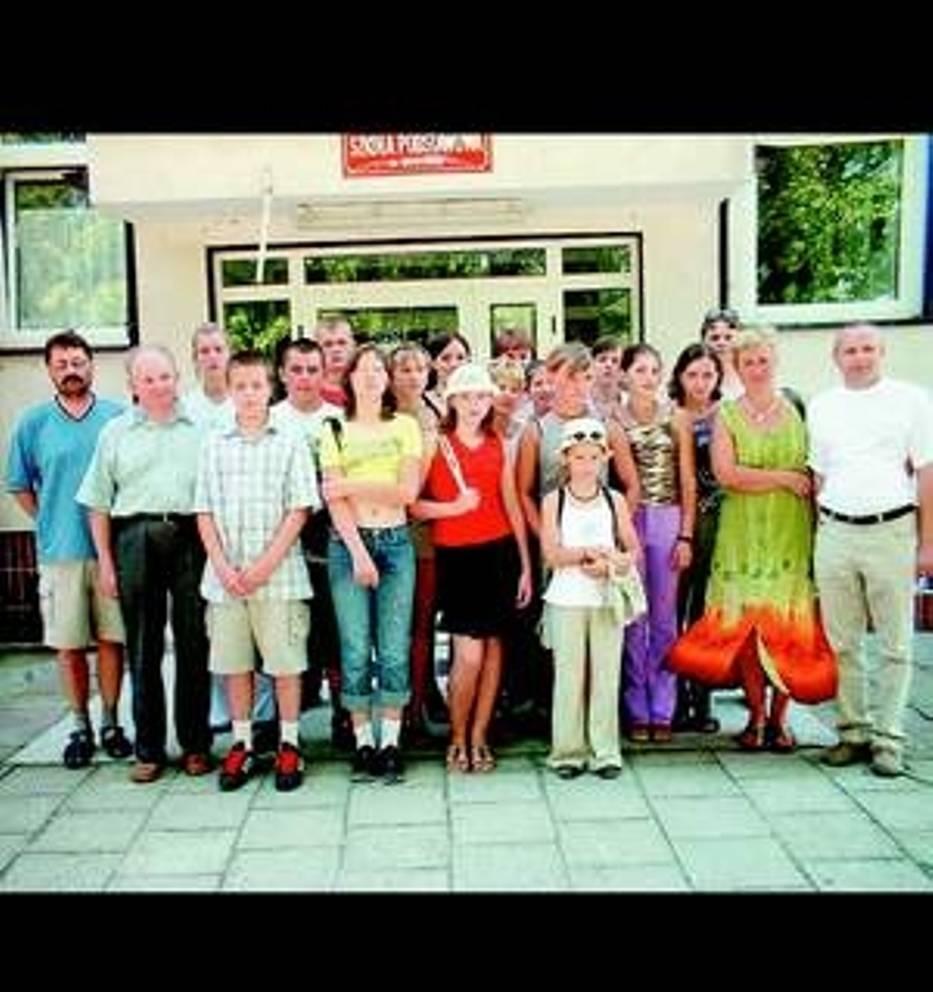 Grupa młodzieży i nauczycieli z Ojran na Wileńszczyźnie już szósty raz przyjechała do Brdowa