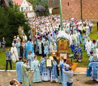 Prawosławne święto Ikony Matki Boskiej Supraskiej. Tłumy wiernych w Supraślu [ZDJĘCIA]