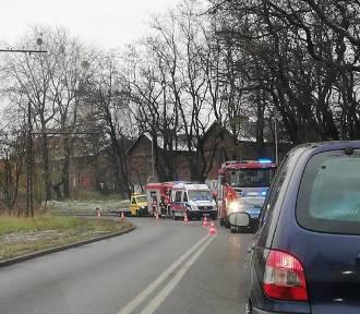 Ruda Śląska: Groźny wypadek przed zjazdem na DTŚ, jedna osoba ranna